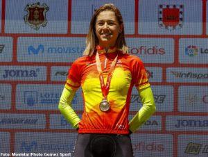 Sara Martín en el podio de los Campeonatos de España