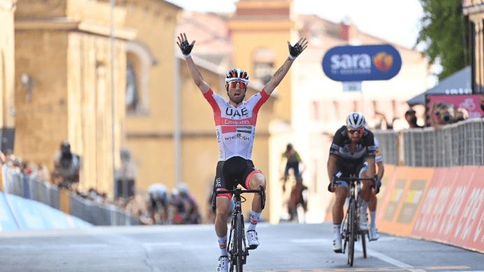 diego ulissi vence la segunda etapa del giro de italia 2020