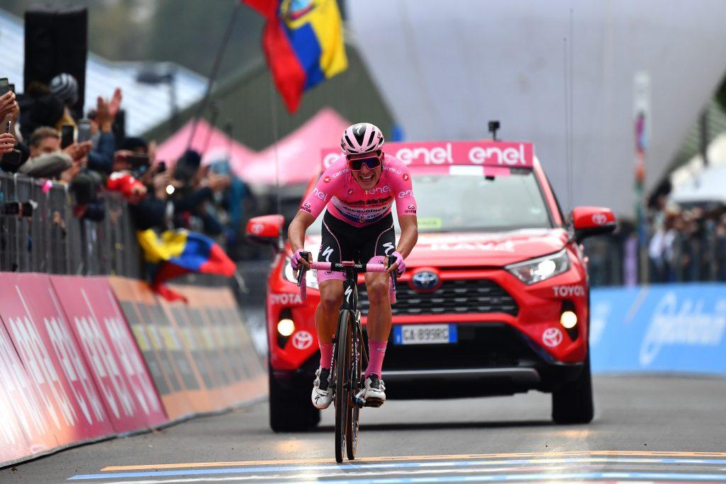 joao almeida retiene la maglia rosa del giro de italia 2020