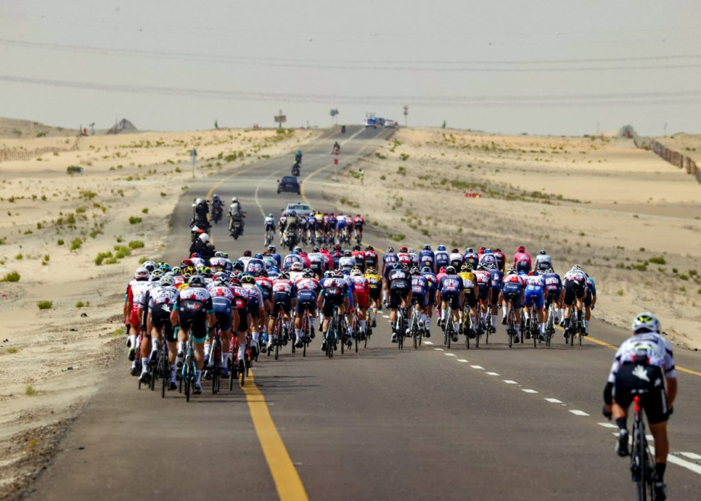 149DDFC3 2C11 4038 9EB8 0DB0DE25E2F0 1024x731 - Otro día en la oficina. Van der Poel, victoria y liderato en el UAE Tour.