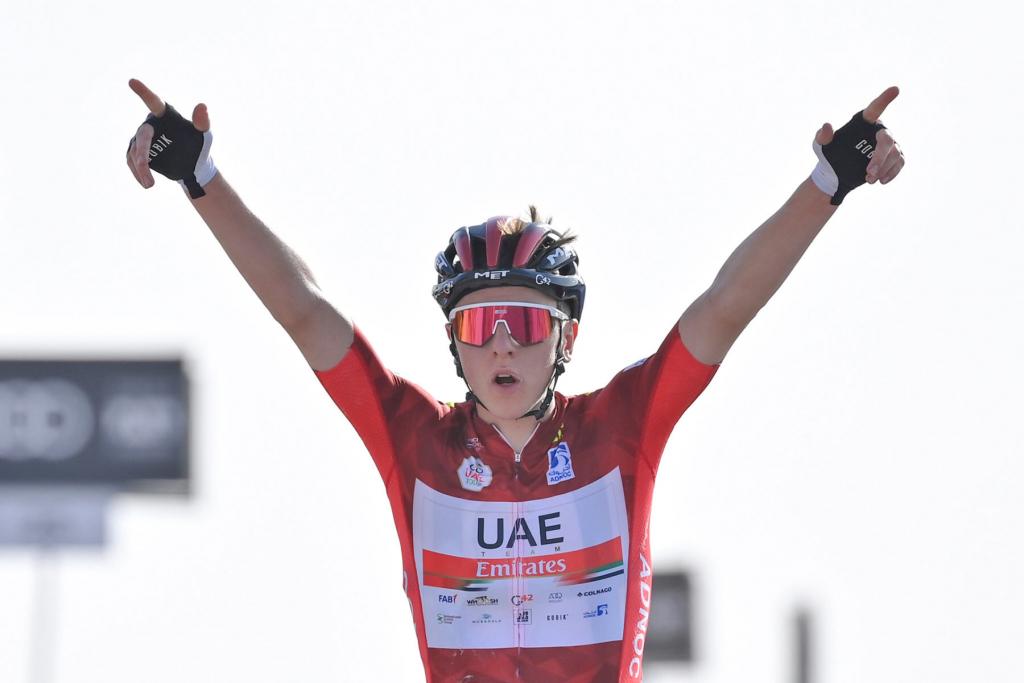 9E34E053 B77E 45FF 81B3 35387D780D01 1024x683 - Pogacar vence a Yates y afianza su liderato en el UAE Tour