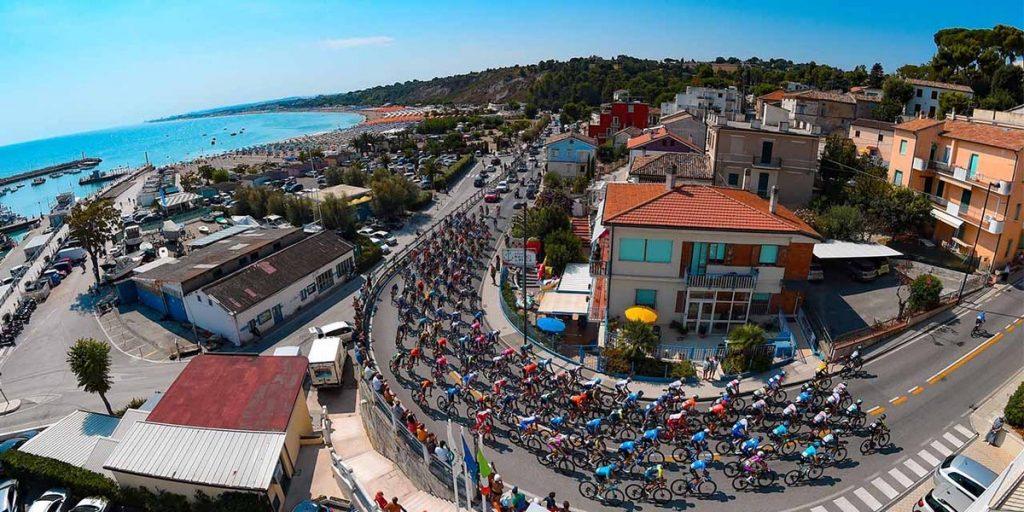 033A6E6E C74D 4E45 9084 A5D995A65385 1024x512 - Tirreno Adriatico 2021. Historia, recorrido y favoritos.