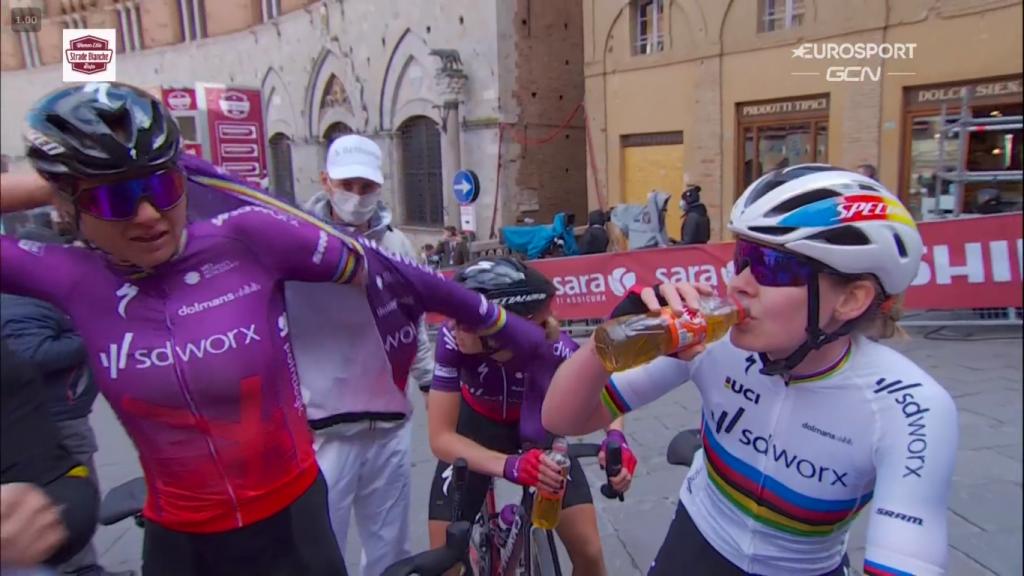 imagen 2021 03 06 131332 1024x576 - Chantal Blaak se lleva la Strade Bianche femenina 2021