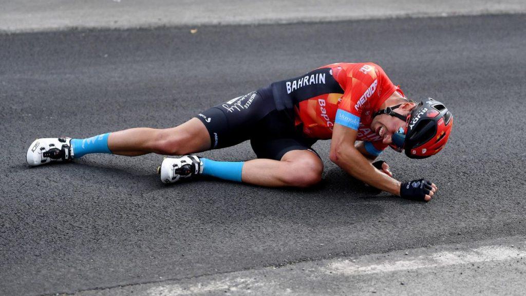 Caída de Mikel Landa en el Giro 2021