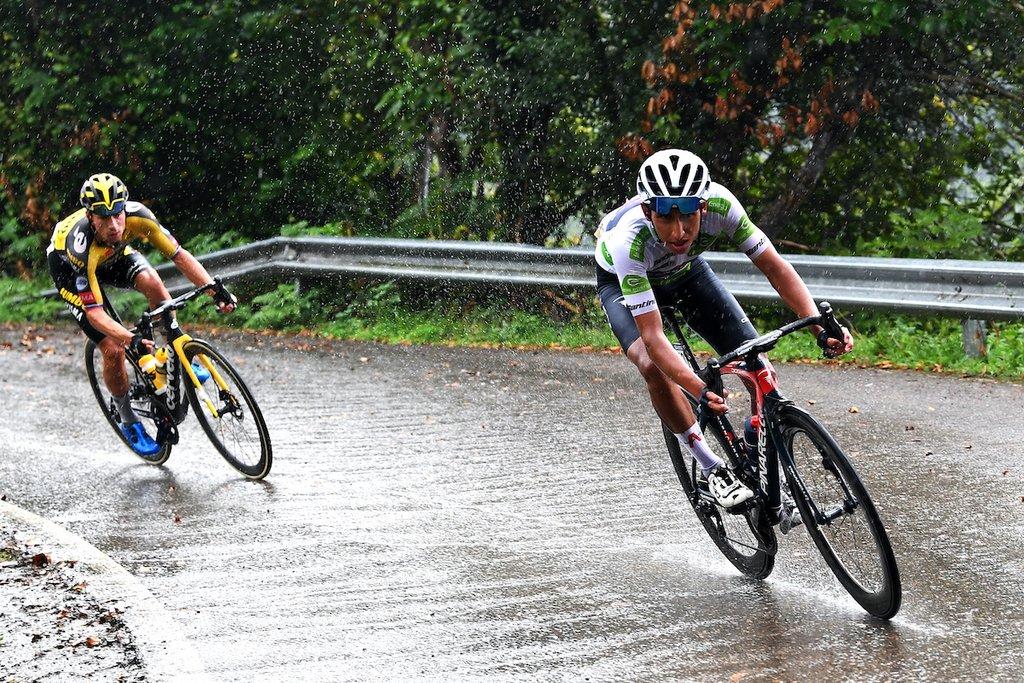 Egan Bernal descenso ataque Primoz Roglic La Vuelta a España etapa Lagos de Covadonga - El indomable Primož Roglič