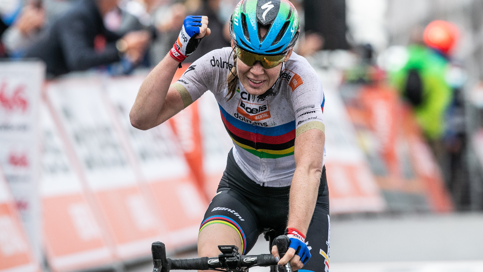 Anna van der Breggen ganando