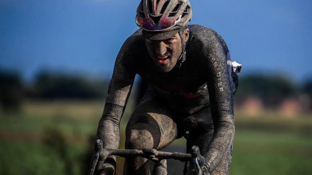 Gianni Moscon INEOS Grenadiers Paris Roubaix 2021 Sonny Colbrelli conquista una brutal carrera 1024x577 - Colbrelli conquista una brutal Paris Roubaix