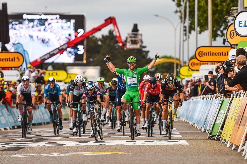 mark cavendish deceuninck quickstep tour francia 2021 etapa10 1024x682 - Tour de Francia 2022: Pavé, Alpes, Pirineos y 40km de contrarreloj